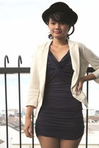 beige blazer - blue dress - black hat