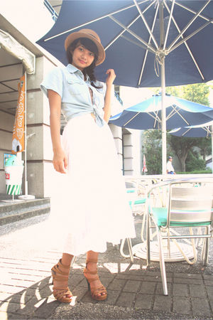 blue top - white dress - brown hat