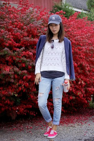 Forever 21 sweater - hm jeans - Zara blazer - Converse sneakers