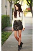 black walktrendy skirt - white style moi top