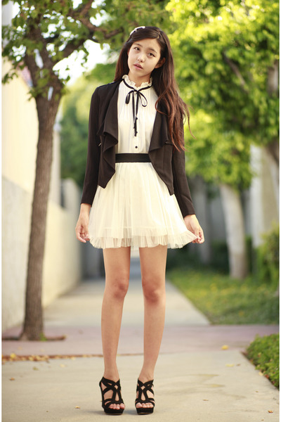 white tulle Ara Feel skirt