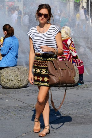 crimson Zara skirt - tan 31 Phillip Lim bag - black Zara sandals