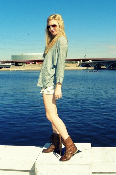 light brown leather boots Breckelles boots - light blue Forever 21 sweater