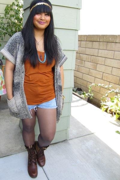 woven leather Timberland boots - denim Forever 21 shorts