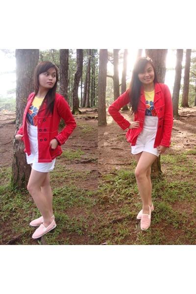 red Plains&Prints blazer - white crissa bodysuit - Lacoste sneakers