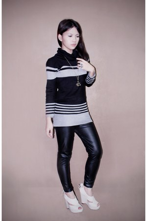 black SM Dept Stores leggings - ivory janilyn wedges - black Sparkle Shop sweats