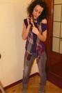 Purple-shirt-silver-leggings-gray-boots-purple-accessories