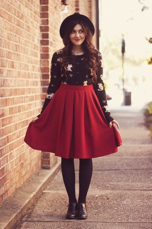 ruby red Olive Clothes skirt - black cat print Olive Clothes cardigan
