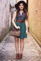 dark green white plum dress