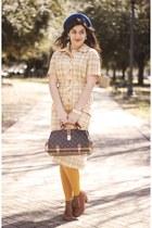 dark brown Louis Vuitton bag