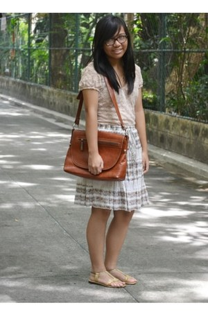 tawny bag - nude blouse - brown floral skirt