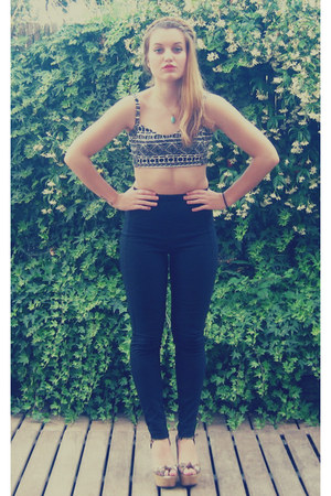 gray music festival brandy melville top - black high waisted Zara pants
