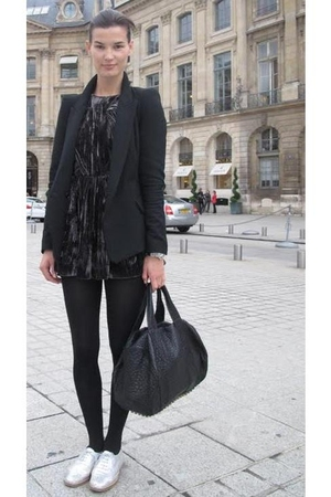 black jacket - black leggings - black shirt - black purse - white shoes