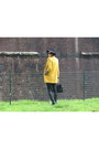 Black-zara-boots-mustard-motivi-coat-black-sisley-bag-black-zara-pants