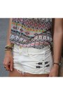 White-jeans-zara-shorts-lime-green-hm-bracelet