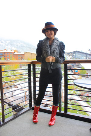 red rubber random from Hong Kong boots - navy Urban Outfitters hat