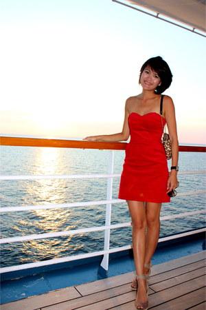 red red corduroy H&M dress - camel leopard print kate spade bag