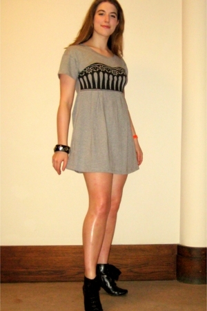 black Hush Puppies shoes - gray See by Chloe dress