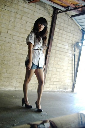 Le Tigre shirt - belt - 7 for all mankind shorts - Mossimo shoes