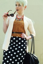 black polka dot thrifted vintage skirt - black vintage leather liz claiborne bag