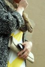 Light-yellow-chevron-gap-dress-light-brown-fur-vintage-scarf