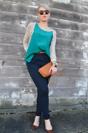 teal vintage silk Nordstrom top - navy Gap pants