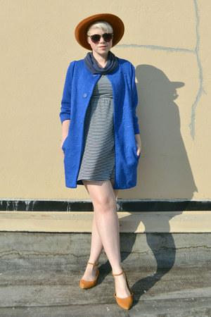 blue Choies coat - dark brown OASAP sunglasses - mustard madewell flats