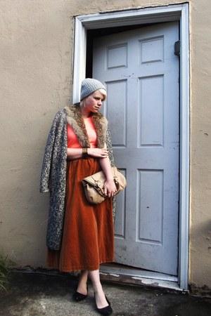 tawny velvet vintage skirt - heather gray H&M hat - beige Aldo purse