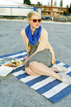 blue handmade circle scarf - heather gray madewell dress - peach JCrew cardigan