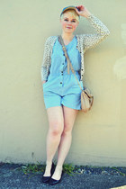 light blue chambray Dream jumper - sky blue hat - beige Aldo bag