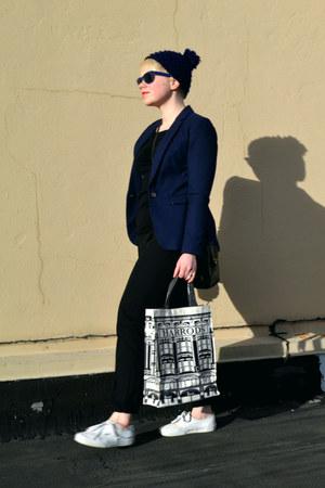 black vintage coach purse - navy H&M blazer - ivory shopper tote Harrods bag