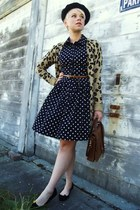 navy polka dot Forever21 dress - black beret American Apparel hat