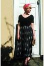 Hot-pink-vintage-scarf-navy-vintage-skirt-black-leotard-american-apparel-top