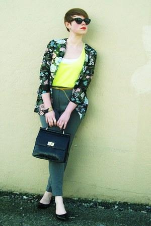black purse - black vintage floral cardigan - heather gray Forever21 pants