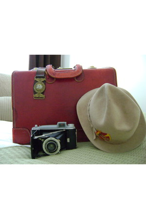 leather vintage bag - felt Vintage Stetson hat