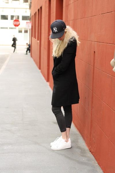 navy snapback Yankees hat - black Aritzia coat - dark gray Topshop jeans