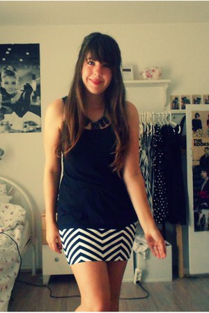 Primark skirt - H&M top - pieces necklace