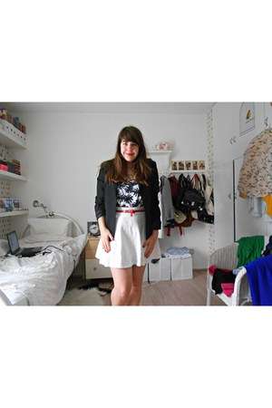 Bershka top - Secondhand blazer - h&m divided skirt - Primark belt