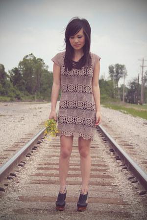 light brown crochet Forever 21 dress - black H&M top - black benched Jeffrey Cam