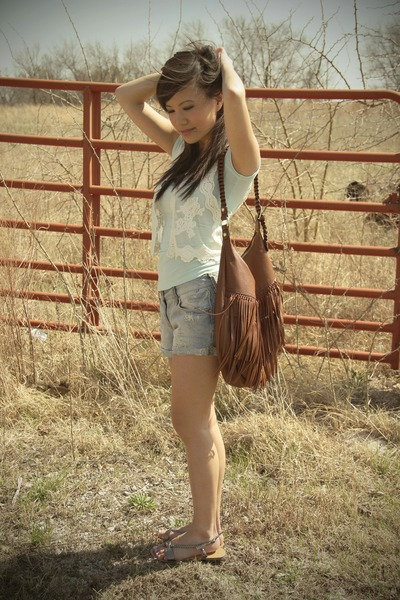 brown fringed saddle H&M bag - periwinkle distressed River Island shorts - aquam