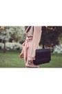 Gold-teacup-asos-ring-black-zara-bag-black-zara-heels