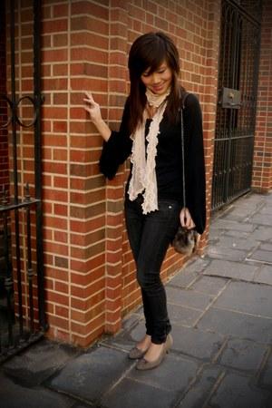 peach doily sheer Urban Outfitters scarf - light brown faux fur lady Zara bag -