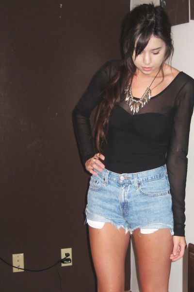 H&M top - Vintage Levis shorts - Target boots - forever 21 necklace - Target acc