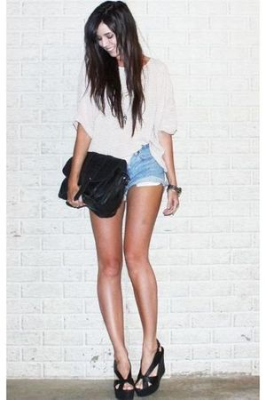 beige H&amp;M sweater - blue vintage levis shorts - black asos purse - black Jeffrey