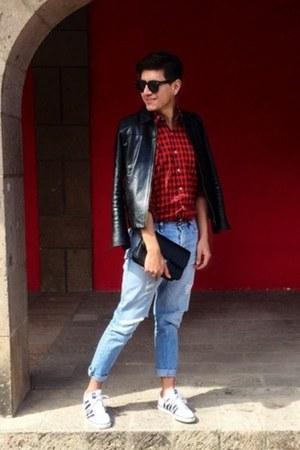 white kswiss shoes - black DKNY jacket