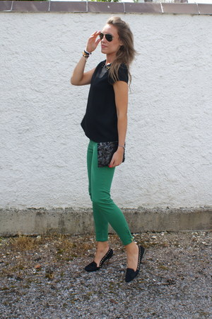Zara top - Zara shoes - Ray Ban sunglasses - Zara pants