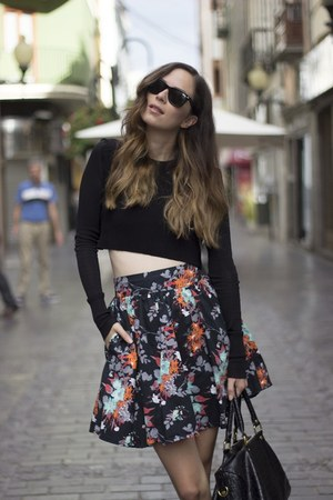 H&M skirt - Ray Ban sunglasses - Zara top