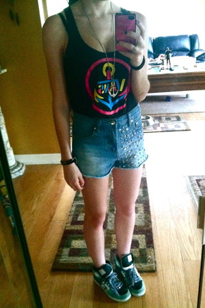 tank top Vans top - high-waisted Forever 21 shorts - DC sneakers