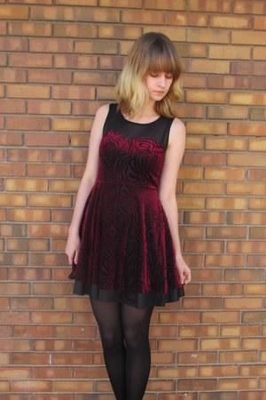 crimson Forever 21 dress - black unknown tights - gray DSW heels