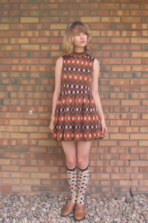 burnt orange Forever 21 dress - cream Target socks